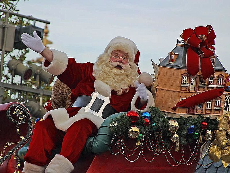 800px-Santa_Claus_for_Christmas