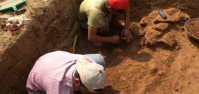 Archeologists_working_at_Boteshwar_site_0104